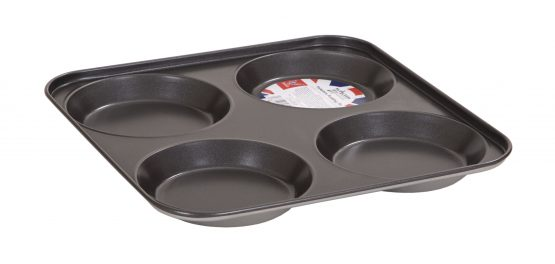 Double non-stick coated 0.3 gauge steel Yorkshire Pudding Tin